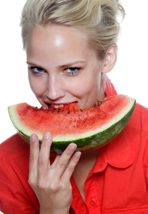 8 Ways To Eat Yourself Beautiful by Eat Yourself Beautiful Clear Radiant Ageless Skin