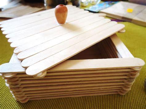 canastas de palitos madera de colores caja con palitos de madera o palitos de paleta