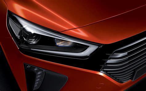 Hyundai Crown by Hyundai S New Ioniq Takes Prius Hybrid Crown Hutchings
