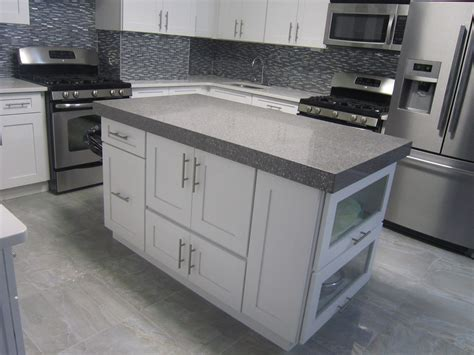 Shaker Style White Kitchen Cabinets by White Shaker Style Cabinet Doors Combination For Shaker