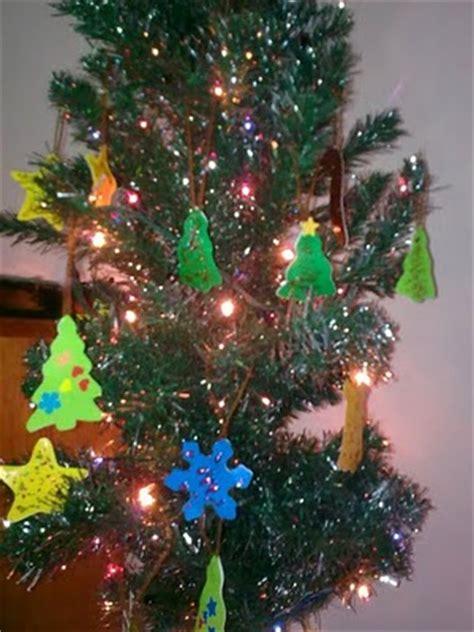 cara membuat pohon natal dari benang wol hiasan pohon natal the urban mama