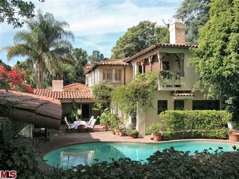 Winona Homes by Winona Has Sold L A Home And Earned 1 Million