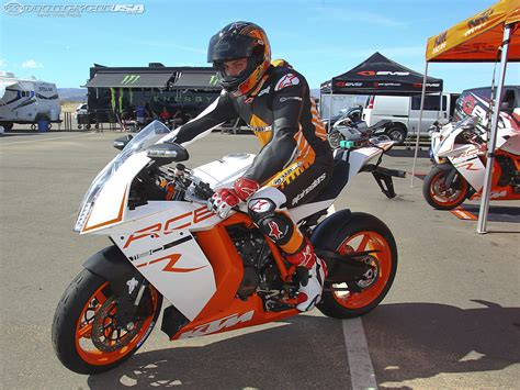 Ktm Rc8r Track 2011 Ktm Rc8 R Track Pics Specs And Information
