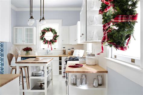 14 easy ways to make a small kitchen look bigger 14 easy traditional christmas decorating ideas hgtv