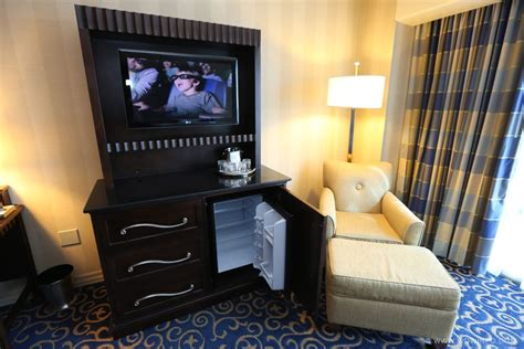 how to get a hotel room 18 disneyland hotel standard room 18 the dis disney discussion forums disboards