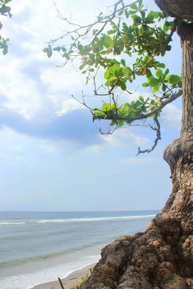 Asyiknya Indonesia asyiknya berwisata di pantai mangsit situs budaya indonesia