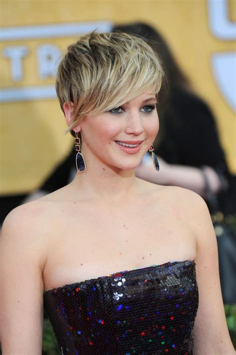 is jennifer lawrence hair cut above ears or just tucked behind 206 best images about hair on pinterest sienna miller