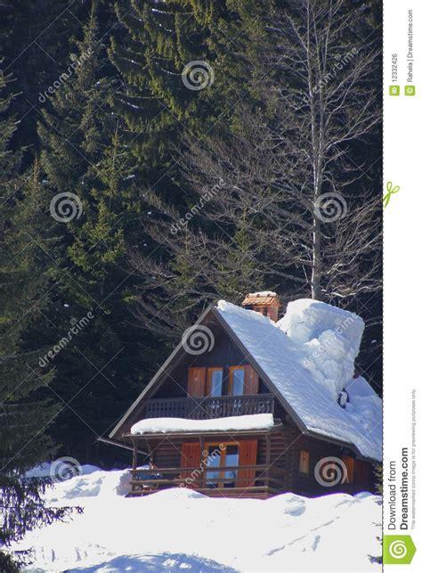 Weihnachten In Den Bergen Hütte by Weihnachten In Den Bergen Stockfoto Bild