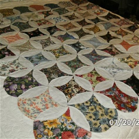 Mock Cathedral Window Quilt Pattern by 58 Best Images About Mock Cathedral Window Quilt How To On