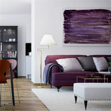 Supérieur Choisir Couleur Peinture Salon #4: 00-salon-chic-nuancier-violet-canape-violet-idee-canape-salon-colore-tapis-beige.jpg