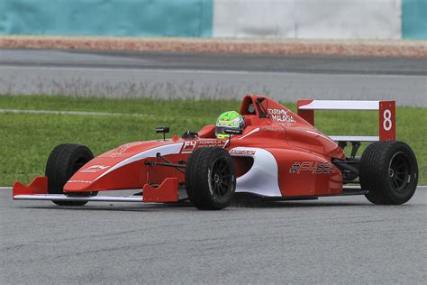 formula 4 car f4 south east chionship mygale cars