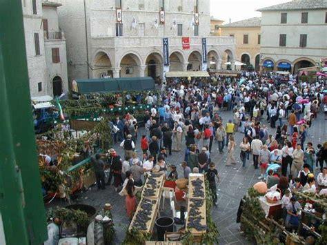 villa fiorita bari montefalco offerte umbria last minute foligno hotel