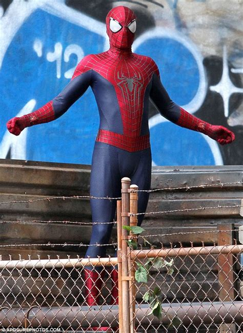 swinging on line stan lee makes cameo on set of the amazing spider man 2