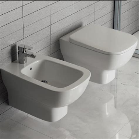 sanitari bagno sospesi ideal standard sanitari sospesi bagno vaso wc sedile tradizionale bidet