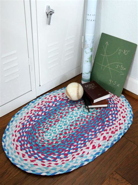 How To Make Handmade Rugs - easy sew and no sew for rugs diy