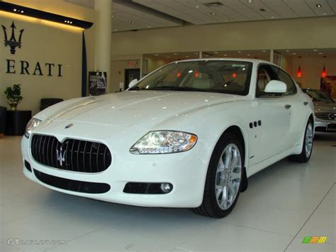white maserati sedan 2010 white maserati quattroporte 30935495 photo 19