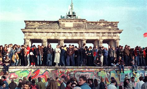 libro berlin now the rise berlin wall 25th anniversary berlin then and now in pictures