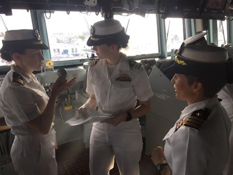 Officer Of The Deck by Leaders No Longer A Rarity In Today S Navy