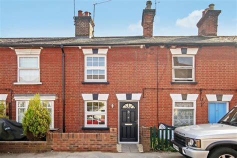 2 bedroom house hertfordshire 2 bedroom terraced house for sale in charles street tring