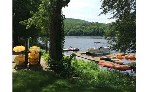Lake George Friendly Cabins by Pet Friendly Cottages On The Hudson River Elms Waterfront