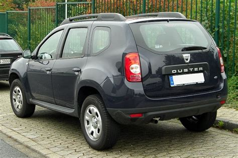 renault duster black renault duster car pictures images gaddidekho com