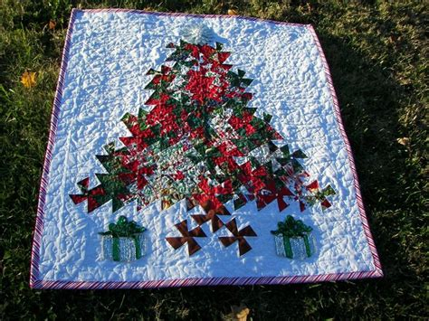 twister christmas tree quilt pattern pin by nicolina on twister tool pinterest