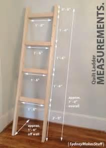 25 best ideas about quilt ladder on blanket