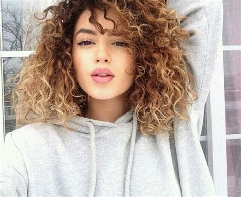 Images Of Curly Hair Ombre   20 curly ombre 40 curly hair inspos that every curly