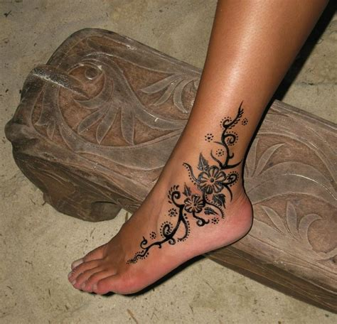 hand tattoos for women best 25 tattoos for ideas on