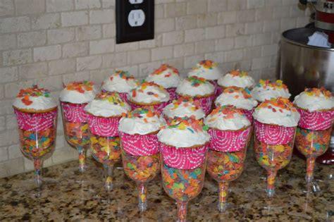 Piyama Cup Cake Sleepy Giraffe pancake and pajama s birthday ideas photo 1 of 17