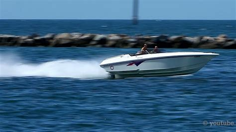 fountain boats youtube fountain powerboat on the run in miami youtube