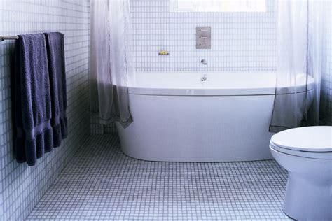 tile ideas  small bathrooms