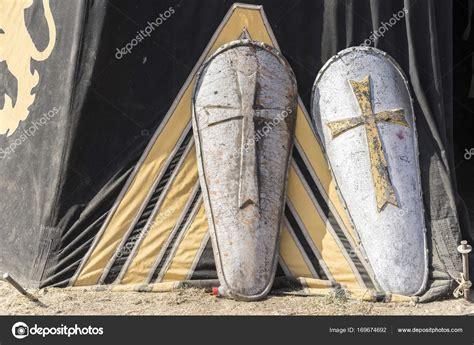 tenda medievale tenda de cores diferentes bras 245 es de armas