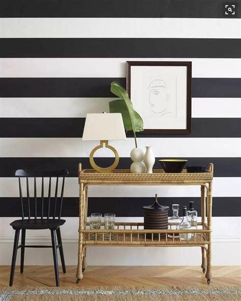 motif  harga wallpaper dinding ruang tamu minimalis