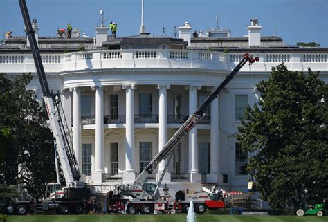 white house renovation 2017 this is the first thing donald trump changed in the oval