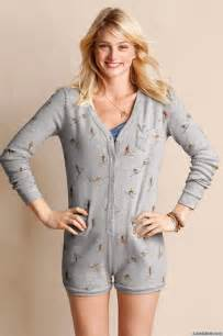 the best sleepwear for a stylish yet relaxing