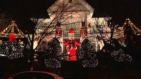 christmas lights in brooklyn tour dyker heights neighborhood in brooklyn stages christmas