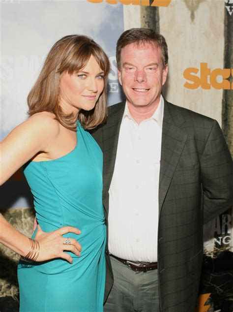 lucy lawless father lucy lawless net worth house car salary husband