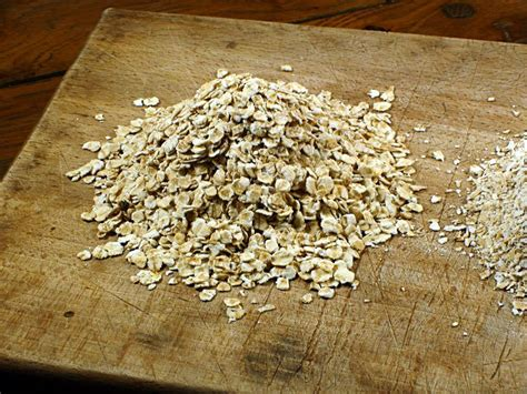 oat bran nutrition facts health benefits recipes uses substitute