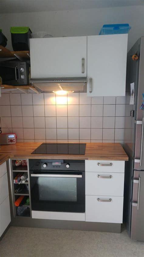 einbauküche günstig kaufen wohnzimmer rot braun