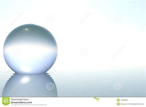 imagenes del zen esfera de cristal del zen en agua en el fondo blanco