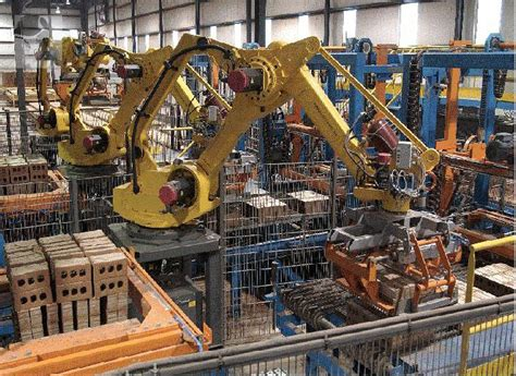 membuat robot manusia welcome komputer pada bidang industri dan manufaktur