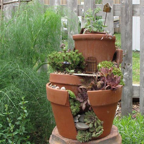 Broken Pot Garden by Broken Pots Turned Into Brilliant Diy Gardens