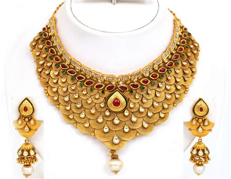 Gold Jewellery by Traditional And Authentic Jewelry Of South India