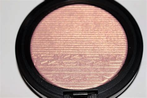 mac beaming blush extra dimension skinfinish review mac in the spotlight highlighter collection review swatches