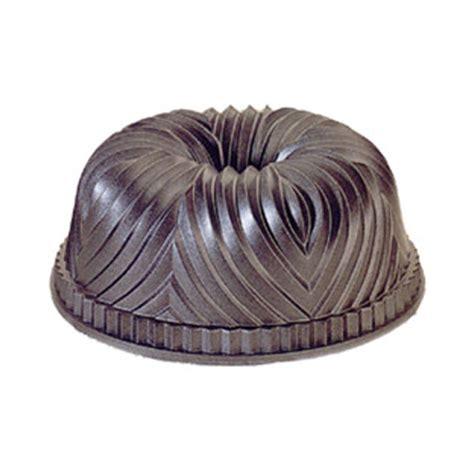 10 Cup Bundt Cake Pan by Nordicware Bavarian Bundt Cake Pan 10 Cup Capacity 8 1 2