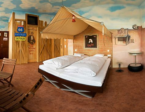 themed bedroom route66 hotel theme bedroom interior design ideas
