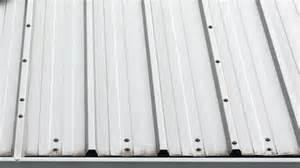 dach neu decken kosten pro m2 blechdachplatten preise und vorteile der dachplatten aus