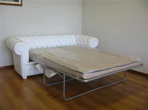 divani letto chesterfield divano chesterfield 2 posti maxi con due cuscini large