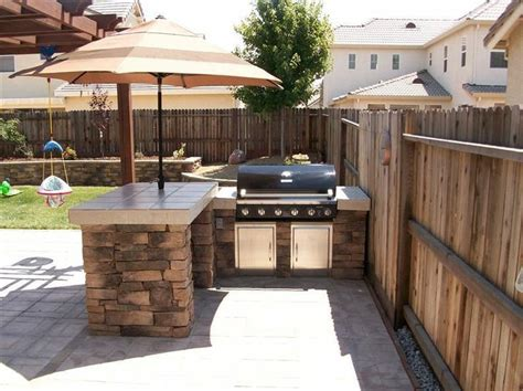 small outdoor kitchen designs best 25 small outdoor kitchens ideas on